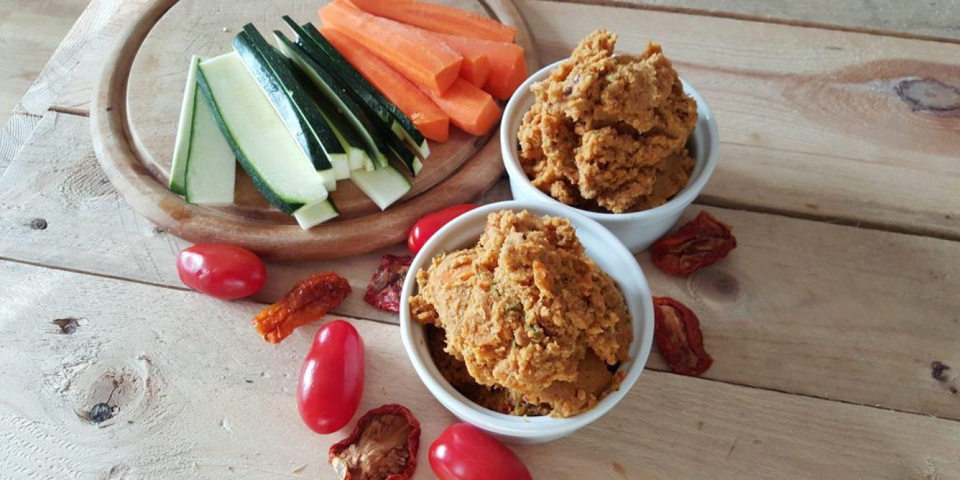 tomaten hummus der ideale snack am abend team loa. Black Bedroom Furniture Sets. Home Design Ideas